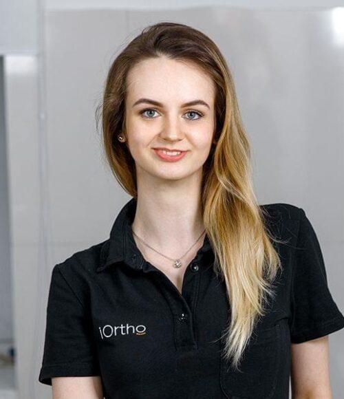 Оситнянко Алина Олеговна Врач-стоматолог ортодонт